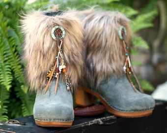Ready now NEW SZ 8 / 38 gray suede leather boho Gypsy upcycled Sanita clogs boots tassel Festival fur dreamcatcher tribal boots ankle boots