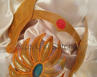 He-Man Masters of the Universe Inspired SHE-RA CRoWN and CHeST FLoWeR APPLiQUe 2Pc. Set - Smooth Gold Sparkle Glitter Vinyl-Cosplay-ComicCon