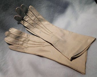 Vintage Cream French Kidskin Gloves, Made in France, Size 7 1/4, c. 1950