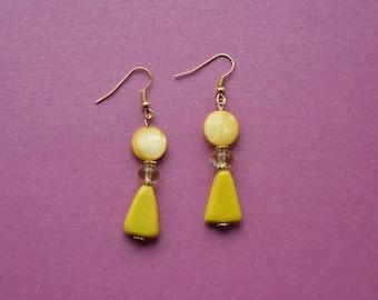 medium yellow earrings, bright yellow earrings, sunshine yellow jewellery, vibrant earrings, medium drop earrings, yellow glass earrings