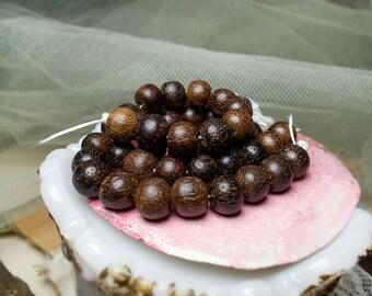 Vintage Rustic Wood Beads - 15 Dark Brown Round Beads - 9mm - Vintage Salvaged Harvest - Primitive Boho Neutral Earthy Bead Spacers