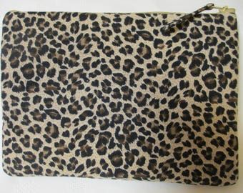 Animal print clutch. Ladies clutch bag, ladies gift, occasion bag, everyday clutch, zippered clutch.