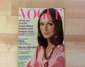 Vintage Vogue Magazine : September 15th, 1972