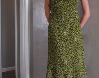 Vintage Express Green Floral Sundress (Size 9/10)