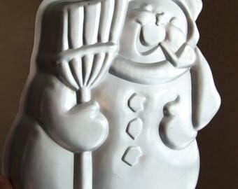 Vintage Wilton cake pan of snowman 1980 / aluminum cake pan  / birthday cake mold model 502-1646