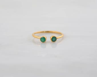 Green Onyx ring,Delicate gold ring, Adjustable ring, Dual Gemstone Ring, Minimalist ring, Dainty ring, Stacking ring, Cute Ring, Onyx Ring