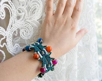 Agate bracelet, macrame cuff, micro-macrame, dark teal green white, colorful, with tassel, beadwork, beadwoven, bohemian, boho chic, chunky