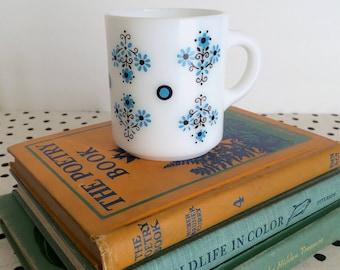 Vintage Flower Mug, Blue and Black Flower Mug, Milk Glass Mug, 1950s Mug, Midcentury Mug, Blue Flower Mug, Mug Collector, Fire King Glasbake