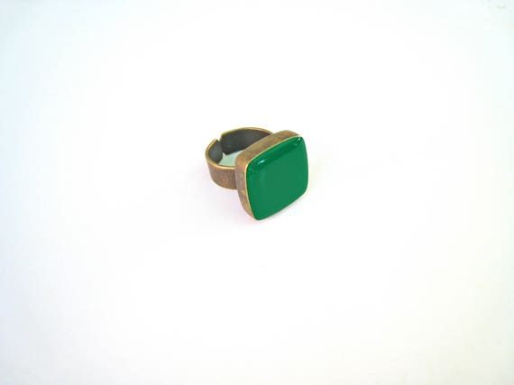 Emerald green ring, bronze green statement ring, jade moss green resin ring, square ring, modern minimalist jewelry, color block jewelry
