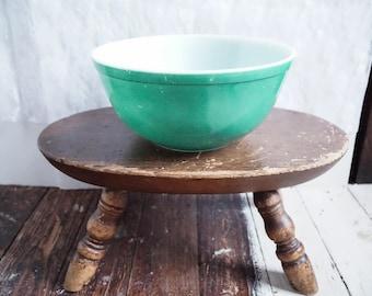 Pyrex Green 2.5 Liter Mixing Bowl, #403