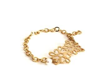 Pearl Gold Flower Bracelet, Gold Bride Bracelet, Gold Bridal Bracelet, White Pearl Gold Bracelet, Pearl Gold Wedding Bracelet.