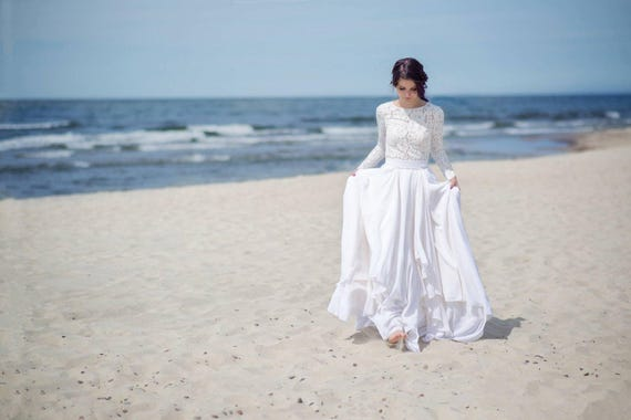 Eirene modest wedding dress / simple wedding dress / bridal