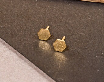 Hexagon stud earrings, Dainty hexagon earrings, modern geometric jewelry, Urban jewelry, Geometric earrings, Bridesmaid earrings, urban look