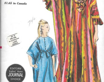 Vintage 1960s Vogue Sewing Pattern 7030- Misses' Robe in one size uncut FF