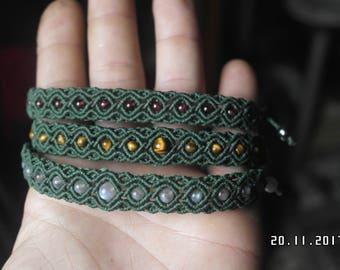 Handmade macrame bracelet with gemstones.Tigers eye,Carniolio,Labradorite,Garnet,Aventurine,Onyx.Available in any color