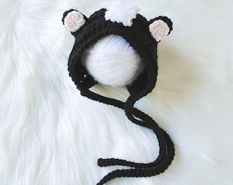 Newborn Hat, Newborn Bonnet, Baby Bonnet, Skunk Hat, Skunk Bonnet, Newborn Skunk Costume, Newborn Skunk Outfit, Baby Halloween Costume, Gift