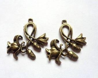 1 piece tulip flower antiqued bronze metal pendant, Art Nouveau style