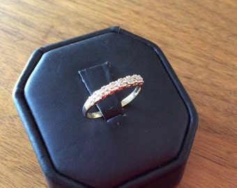 10kt Yellow Gold 6 Diamond old Band Ring
