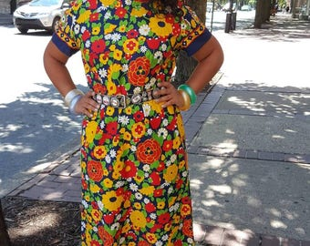 Yellow flower maxi dress vintage 1970 short sleeve plus size from RCMooreVintage FREE SHIPPING