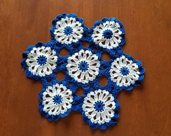 Vintage Doily, Crochet Doily, kitchen or dining table