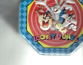 looney tunes bugs,taz,tweety,sylvester,daffy,coyote,roadrunner tin box 1990's