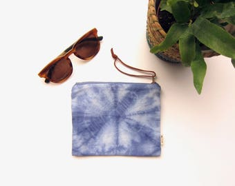 Pretty little tie dyed zipped pouch