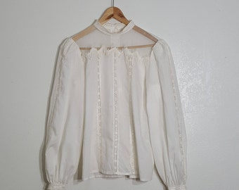 White Blouse Victorian / Sleeve Details / Victorian / High collar / Long Sleeve