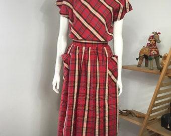 Vtg 70s 80s does 50s red plaid pocket dress