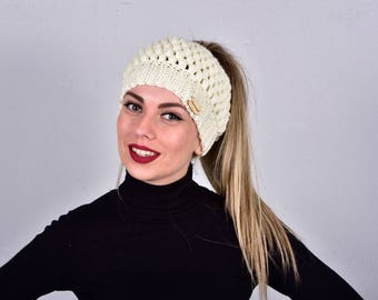 Messy Bun Beanie Hat, Cream Beanie Hat, Ponytail Hat, Beanie for Ponytail, Bun Hat Crochet, Boho Beanie Hat, Hat for Ponytail, Gift for Her