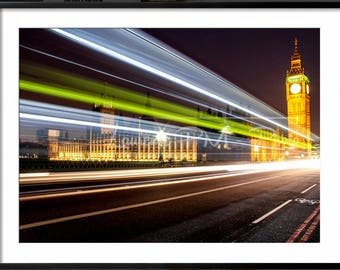"Moving bus on ""Westminster Bridge"" // Big Ben // London by night"