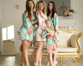 Bridesmaid Robes - Bridesmaid Gift- Floral Robes - Bridal Robes- Bridesmaids Kimono Robes- Regular and Plus Size Robes- MULTI ORDER DISCOUNT