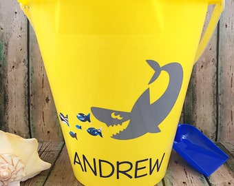 Personalized Beach Bucket - Personalized Sand Bucket - Monogrammed Bucket - Sand Pail - Beach Toy - Kids Gift - Party Favor - Beach Bucket