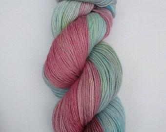 Hand Dyed Yarn 4ply Baby Alpaca Merino – Raspberry Water - 100g - 400m - 50% Baby Alpaca/Merino