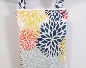 Floral wet bag, Wet bathing suit bag, swimsuit bag, cloth diaper bag, waterproof bag, zippered wet bag