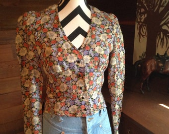 VTG Fitted Floral Button Up Blouse, V-Neck Blouse,80s Fashion, Cropped Shirt