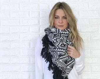 Aztec Tribal Jacquard Fabric Blanket Infinity Scarf Wrap | black/white/grey