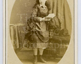 CDV Carte de Visite Photo Victorian Young Pretty Standing Girl, Long Hair Reading Book Portrait - M Guttenberg of Clifton Bristol England