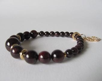 Genuine Garnet bracelet/Elastic bracelet