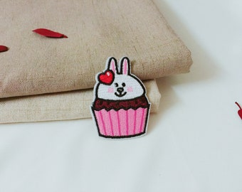 rabbit cupcake patch -iron on patch -embroidered patch-cute patch-girl patch -diy -applique