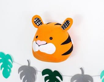 Felt tiger head, stuffed tiger head, nursery wall decor animals, tiger mount, nursery decor, tiger decoration, safari bedroom, kids room