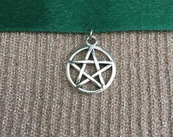 Green Pentagram Choker