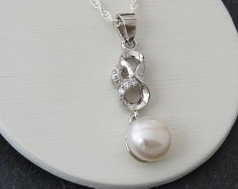 Bridal Necklace,  Freshwater Button Pearl Pendant, Simple Bridesmaid Gift, White Ivory Pendant, Sterling Silver Bridesmaid Pearl Necklace