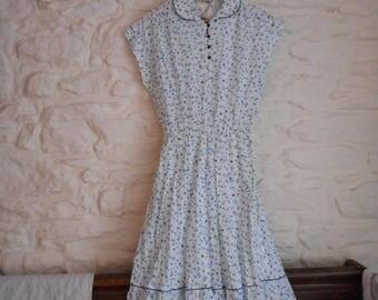 Vintage ditsy floral dress