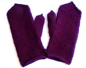 Women's mittens purple wide