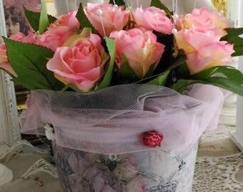 Flower arrangement, flower pot shabby chic style.