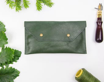 Olive green leather clutch bag, leather clutch, minimalist clutch bag, leather purse, upcycled leather bag, womens clutch, leather pouch