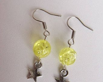 Tibetan Silver Star girls or women, and yellow glitter beads dangling earrings