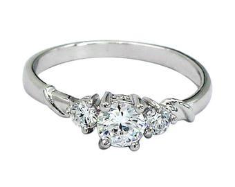 Fashion sparkling crystal ring