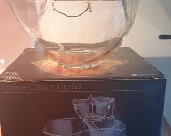 Vintage Indiana 3 Piece Chip and Dip Set with etched glass