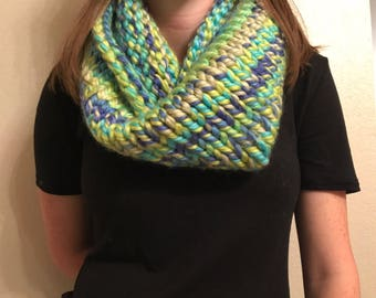 Knit Chunky Multicolor Green/Blue Cowl